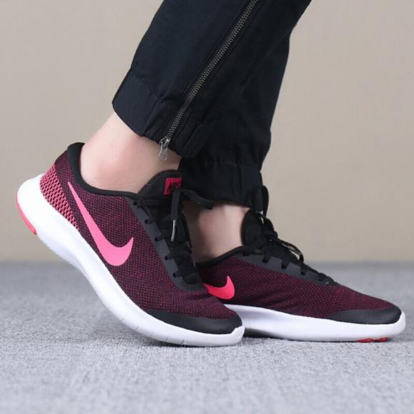 c747aebfb8bc7 Nike Women s Flex Experience 7 Running Shoe. M 5b5699efe944ba1b96cd2995